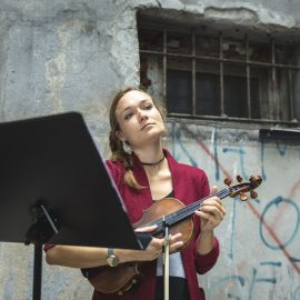 2_Dzień Trójkąta_czytanie w Świetliku_fot_Alicja Kielan (2)-min