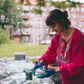 Sąsiadujemy z artystami_Ryba troć na Ołbinie_fot Jerzy Wypych (11)-min