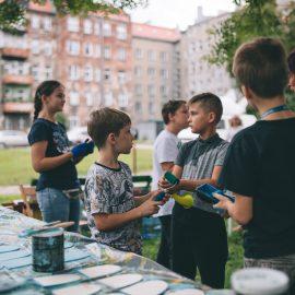 Sąsiadujemy z artystami_Ryba troć na Ołbinie_fot Jerzy Wypych (12)-min