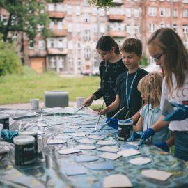 Sąsiadujemy z artystami_Ryba troć na Ołbinie_fot Jerzy Wypych (18)-min