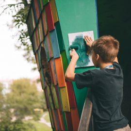 Sąsiadujemy z artystami_Ryba troć na Ołbinie_fot Jerzy Wypych (6)-min