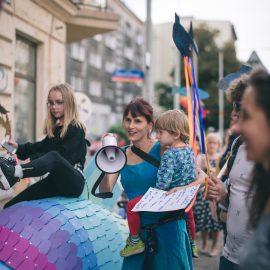 Sąsiadujemy z artystami_Ryba troć na Ołbinie_fot Marta Sobala (20)-min