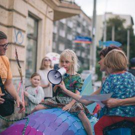 Sąsiadujemy z artystami_Ryba troć na Ołbinie_fot Marta Sobala (21)-min