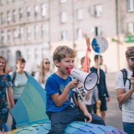 Sąsiadujemy z artystami_Ryba troć na Ołbinie_fot Marta Sobala (24)-min