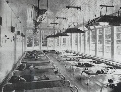 Wzorcowe sanatorium dziennego pobytu dla dzieci, fot. Heinrich Klette, z arch. Biblioteki Uniwersyteckiej w Heidelbergu