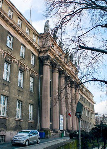Zdjęcie, siedziba Dyrekcji Kolei